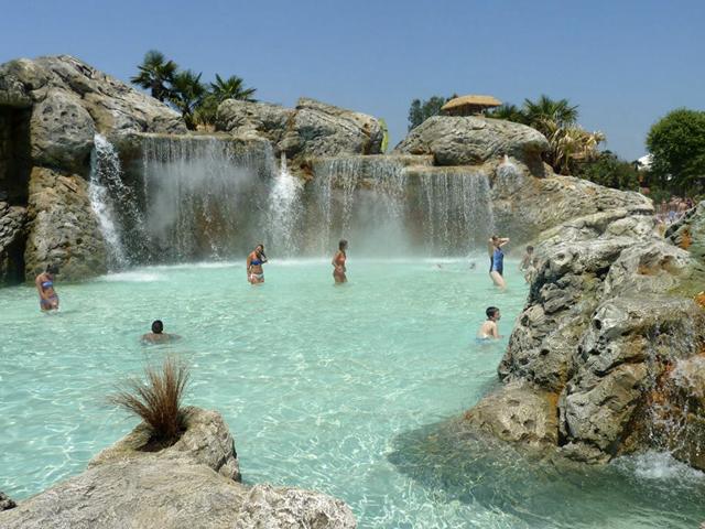 Parc aquatique - Chutes d'eau